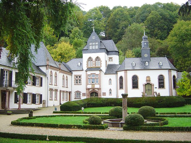 Schloss Dagstuhl (CC BY-SA 1.0, https://commons.wikimedia.org/w/index.php?curid=38342)